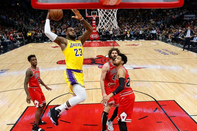 LeBron anota 36 puntos y Lakers corta racha